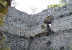Ruiny zamku w Bydlinie od wewnątrz