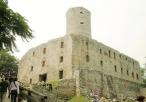 Zamek Lipowiec podczas pokazów rycerskich