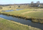 Widok na rzekę i staw hodowlany ze Skały Balika