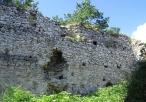 Ruiny zamku w Bydlinie - mury zamkowe
