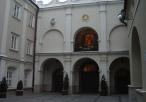 Plac przed Kaplicą oraz wejście do niej