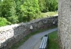 Widok na mury zamkowe
