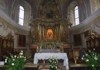 Nawa główna i ołtarz z Cudowną Figurą Matki Boskiej