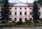 Pałac dworski w Koniecpolu z XVII wieku, obecnie Ośrodek Kultury Sportu i Rekreacji