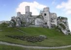 Widok na ruiny zamku Ogrodzieniec