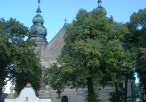 Klasztor Kanoników Regularnych Laterańskich we Mstowie od frontu