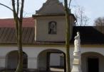 Wejście klasztorne od drugiej strony