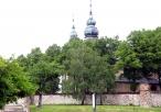 Widok na klasztor od strony szosy